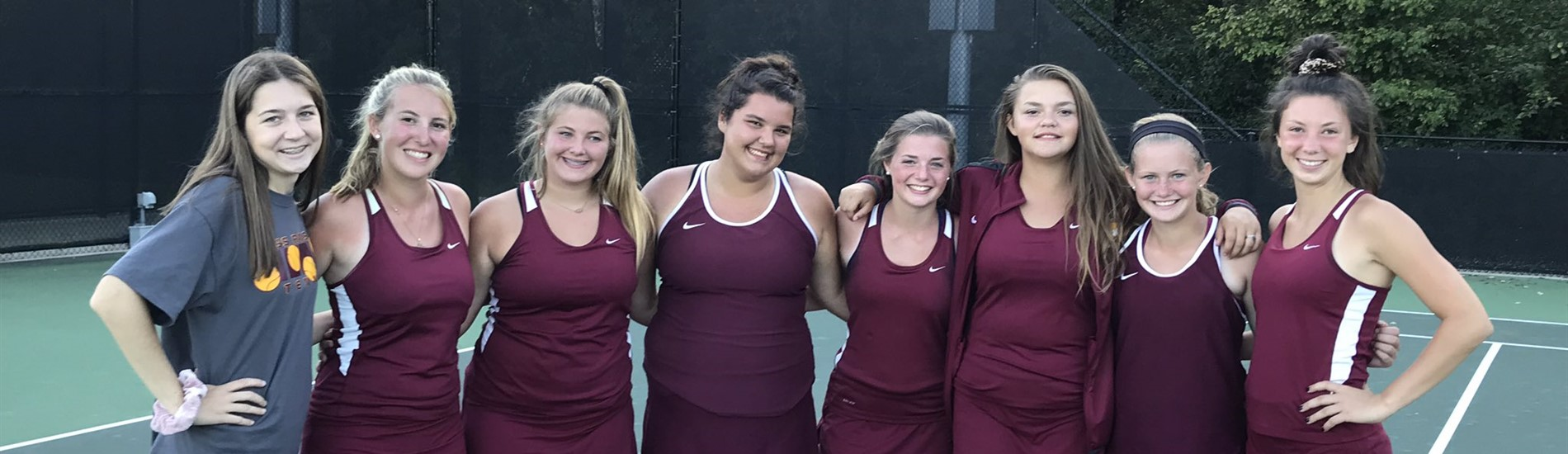 Girls Tennis takes on the SWOC!